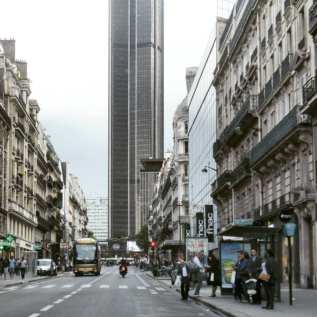 Wieża Montparnasse. La Tour Montparnasse.