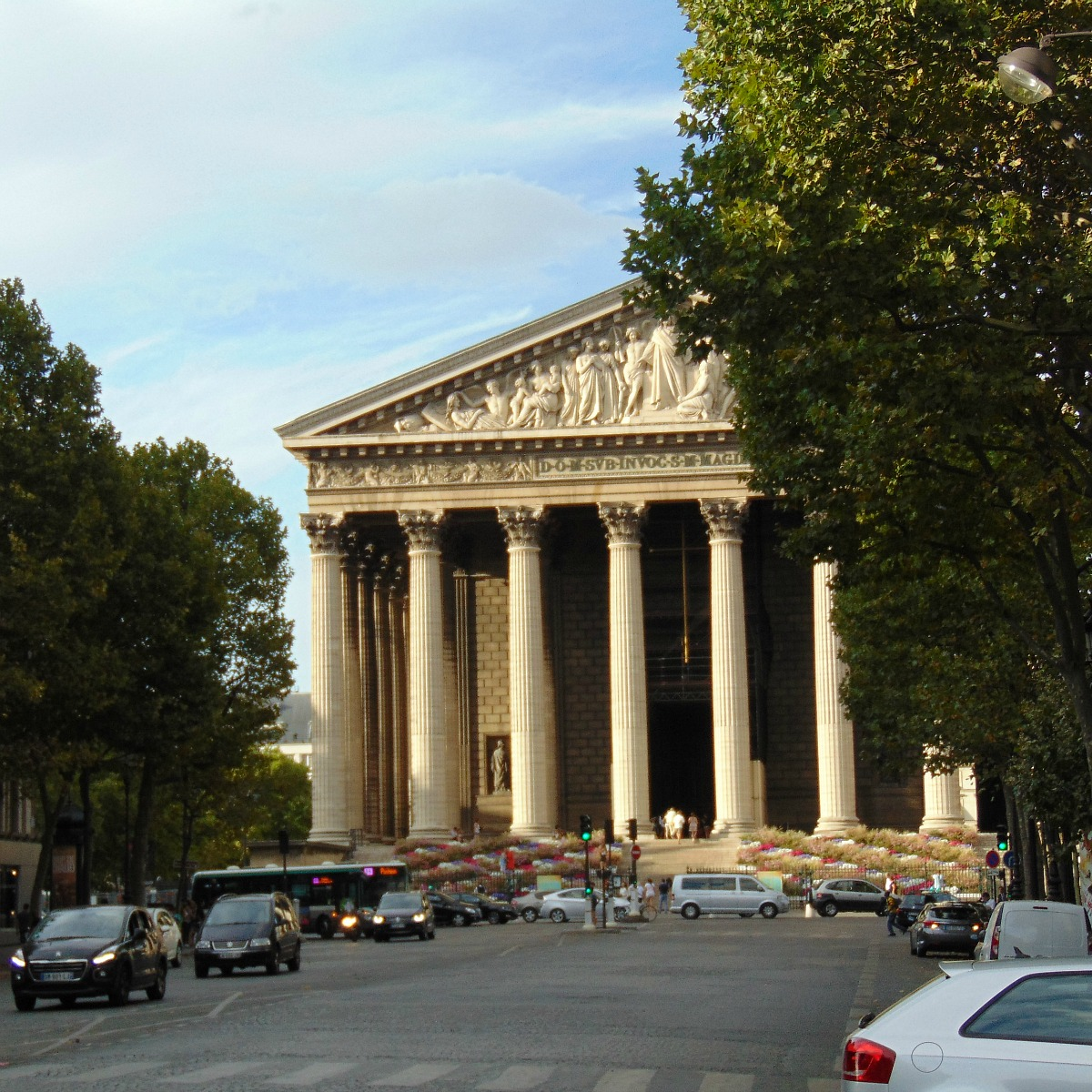 Dlaczego Kościół Magdaleny jest najdziwniejszym kościołem w Paryżu?