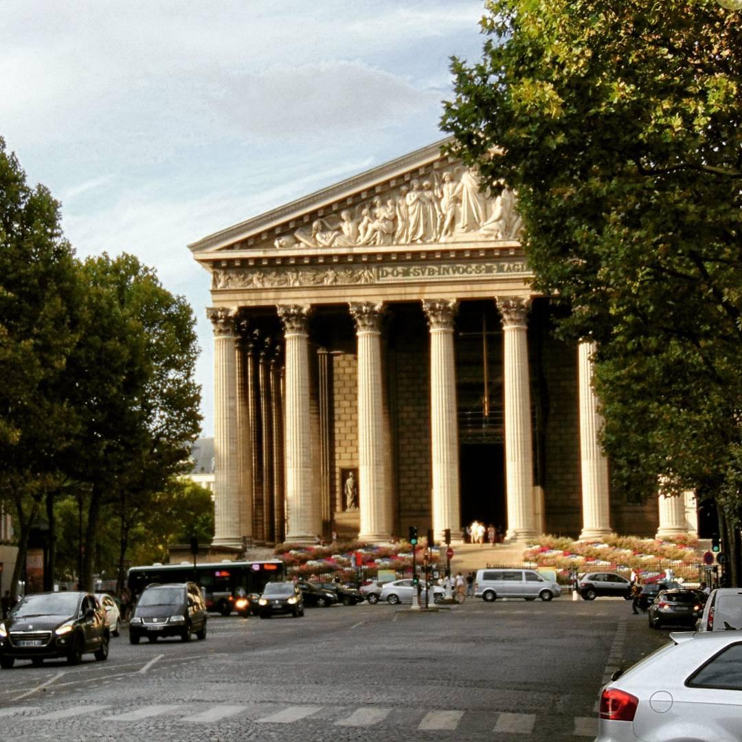 Najdziwniejszy kościół w Paryżu: Kościół Magdaleny Eglise de la Madeleine.