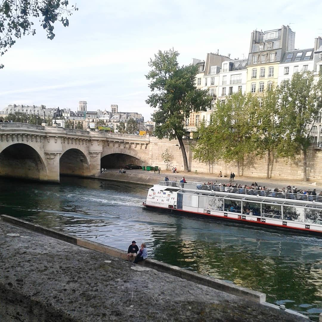 francuskie przedmieścia