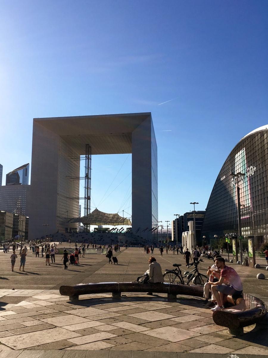 Skąd wzięła się nazwa la Défense?