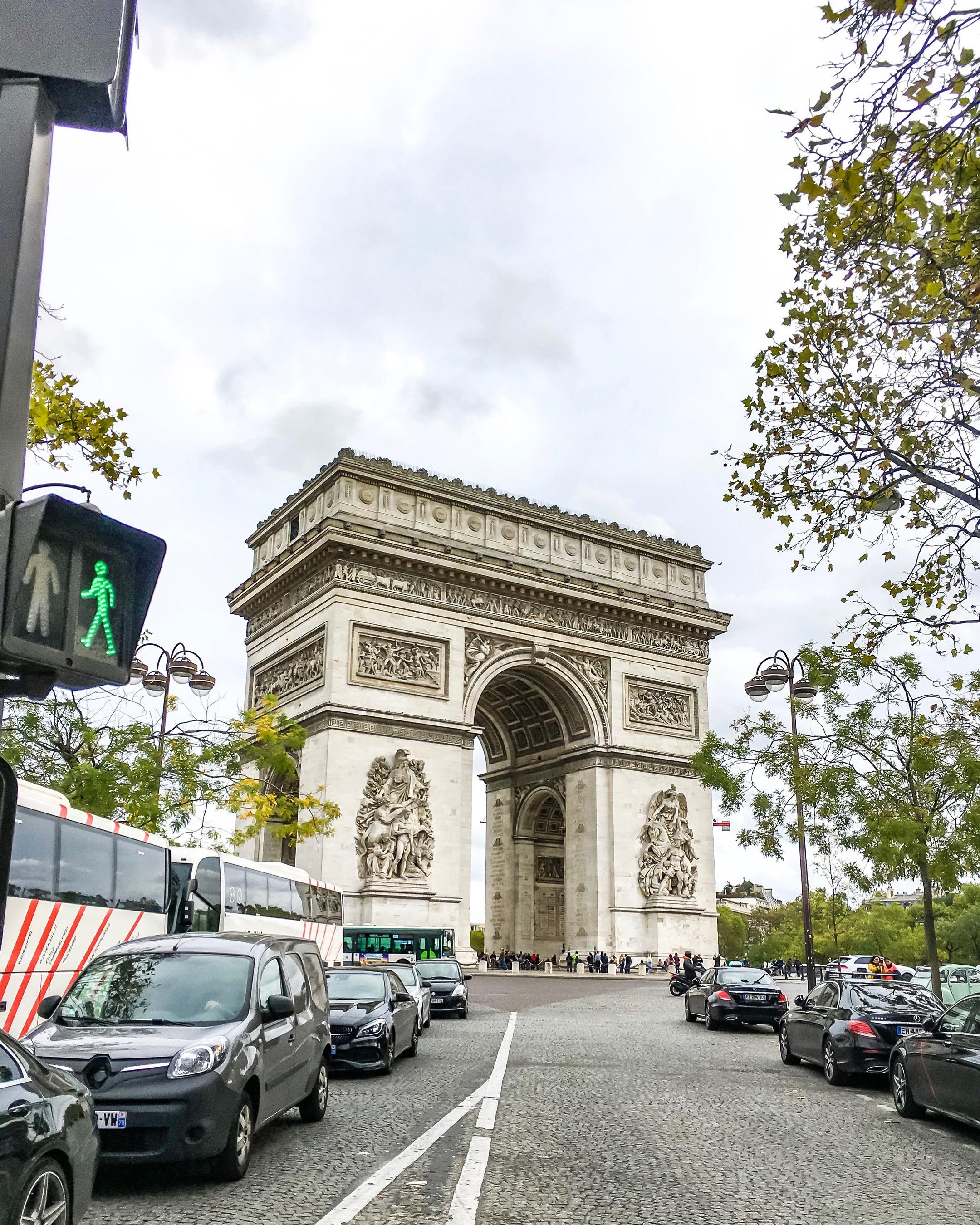 Luk Triumfalny w Paryzu