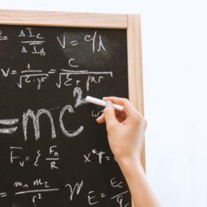 Dlaczego Francuzi mówią mieć matematycznego guza: AVOIR LA BOSSE DES MATHS, żeby powiedzieć, że ktoś jest matematycznie uzdolniony.