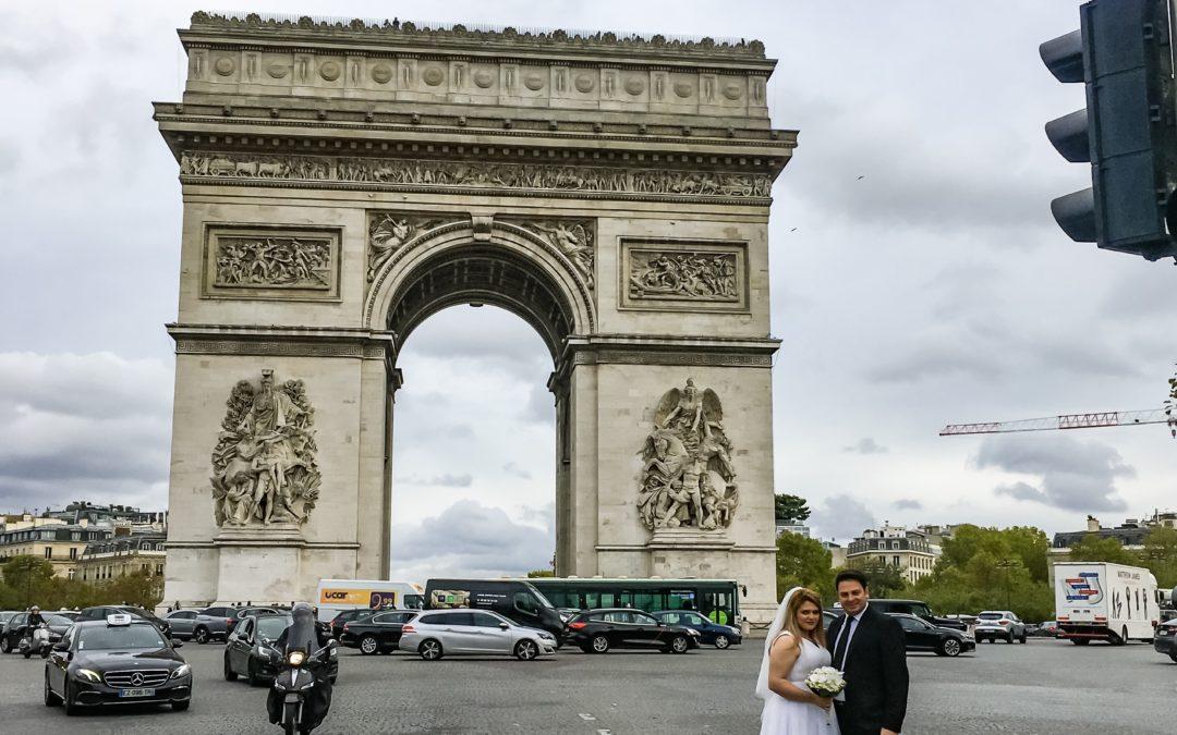 Luk Triumfalny w Paryzu i nowozency